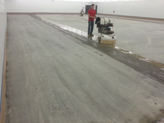 how to cut concrete floor